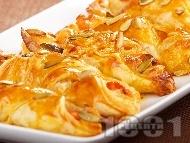 Италиански банички с бутер тесто, домати, сирене моцарела и маслини за закуска